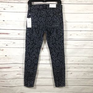 7 For All Mankind Supper Skinny Jeans Size 28